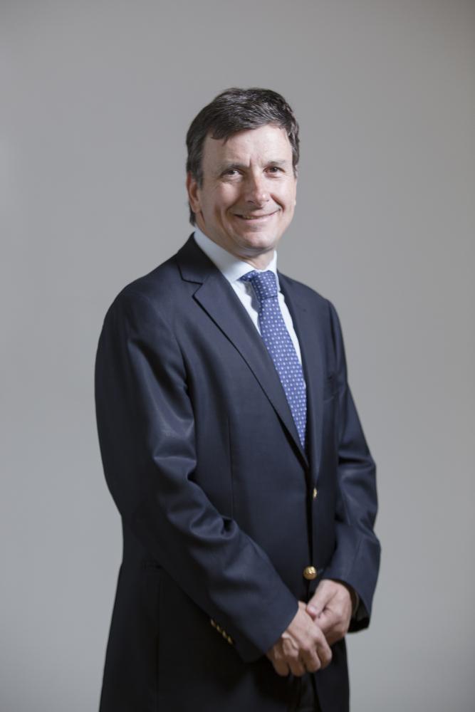 Vicerrector académico, Juan Larraín. Fotografía: César Cortés.